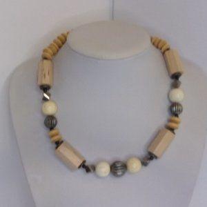 "Light Color Wood Bead Necklace 18"" L"